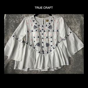 ✌️True Craft Med White Boho embroidered Blouse ☮️